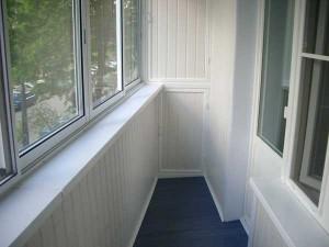 Внутренняя и внешняя отделка балкона: какие ЛКМ можно применять для тепла и красоты вашего дома?